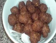 Almondega recheada com salsicha