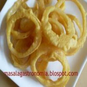 Receita de Anéis de cebola empanados à indiana