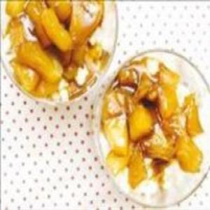 Receita de Arroz Doce com cobertura de maçãs carameladas