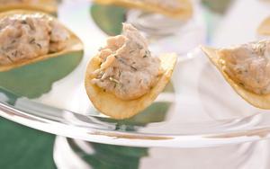 Receita de Barquinhas de batata frita recheadas com salmão