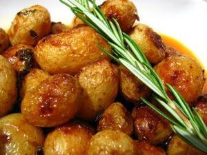 Receita de Batatas Assadas com Abobrinha e Tomate-Cereja