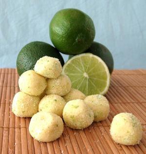 Receita de Bolinhas de caipirinha verde e amarelo