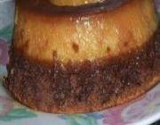 Bolo de chocolate com pudim de leite condensado