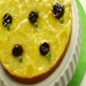 Receita de Bolo surpresa de abacaxi