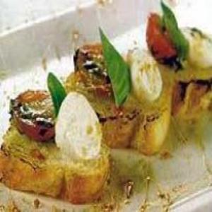 Receita de Bruschetta com Tomate, Queijo de Cabra e Caramelo