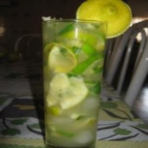 Receita de Caipirinha de Limão com Hortelã e Gengibre