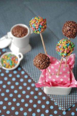 Receita de Cake Pop de Chocolate Molhadinho