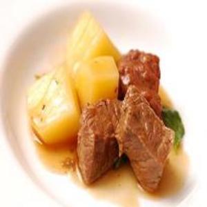 Receita de Carne de Panela Com Manjericão e Batatas