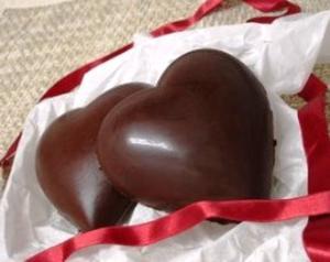 Receita de Coração de Chocolate recheado com Beijinho