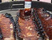 Costelinha de porco ao molho barbecue caseiro