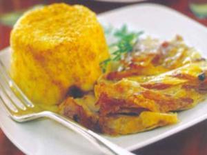 Receita de Coxa de peru com bolinho de batata e salsão