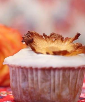 Receita de Cupcake de Abacaxi e Nozes
