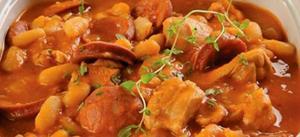 Receita de Ensopado de frango e linguiça com feijão-branco
