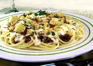 Receita de Espaguete ao Creme de Milho com Carne
