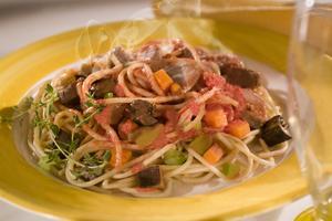 Receita de Espaguete ao Molho de Tomate com Carne