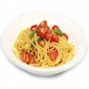 Receita de Espaguete com tomate cereja com manjericão