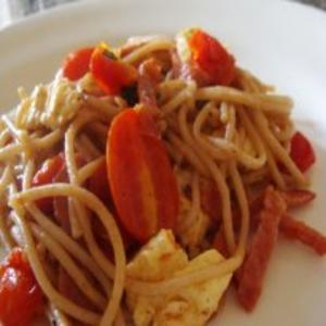 Receita de Espaguete com Tomate Uva e Salaminho