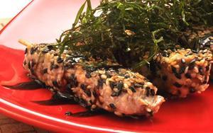 Receita de Espetinho de atum em crosta de gergelim