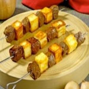 Receita de Espetinhos de Carne com Queijo