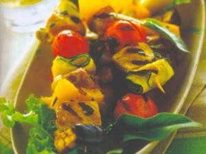 Receita de Espetinhos de porco e legumes