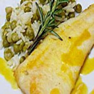Receita de Filé de Peixe Laranja e Arroz com Legumes