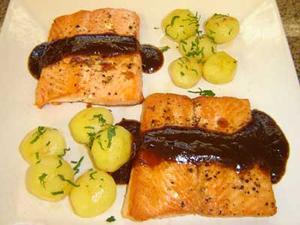 Receita de Filé de salmão ao molho agridoce de tamarindo