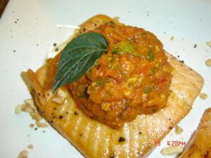 Receita de Filé de salmão com pesto de tomate seco