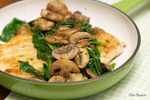Receita de Frango com espinafre, cogumelos e vinho marsala