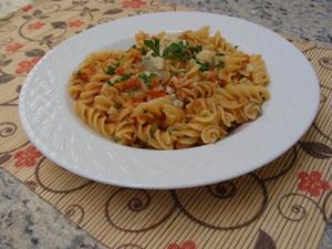 Receita de Fusilli com Tomates Frescos e Gorgonzola
