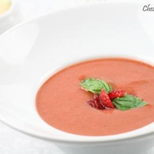 Receita de Gaspacho de tomate com morango