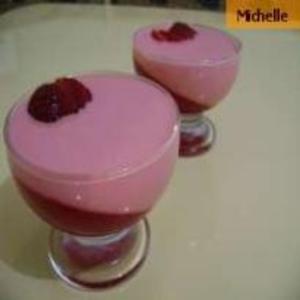 Receita de Gelatina com creme rosado