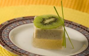 Receita de Gelatina Diet de Chá Verde com Creme de Kiwi