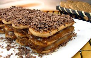 Receita de Lasanha Doce de Biscoito Maizena
