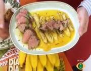 Lombinho de porco com bananas na manteiga
