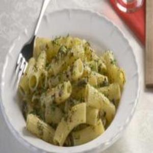Receita de Macarrão com brócolis e requeijão