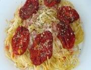 Macarrão de forno com tomate seco