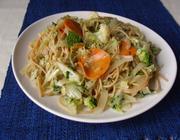 Macarrão integral com verduras