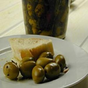Receita de Marinado de Azeitonas com Ervas e Azeite de Oliva