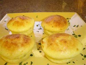Receita de Mini pudins de queijo parmesão