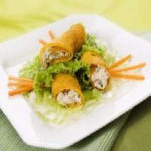 Receita de Minipanqueca de Cenoura com Salada Verde