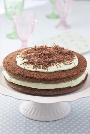 Receita de Naked Cake de Chocomenta Recheado com Menta