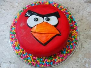 Receita de Bolo Angry Birds de Morango