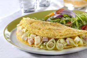 Receita de Omelete de Minas Frescal com Alho-poró