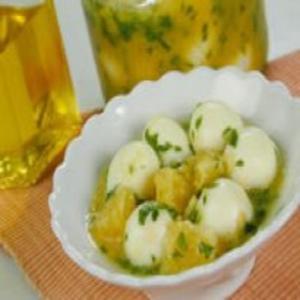 Receita de Ovos de Codorna com Vinagrete de Laranja