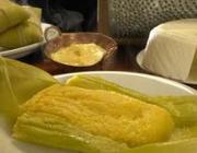 Pamonha goiana salgada com queijo
