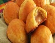 Pão de abóbora com doce de leite