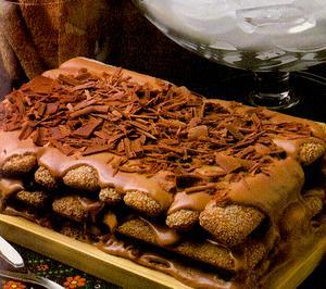 Receita de Pavê de chocolate com biscoitos champagne