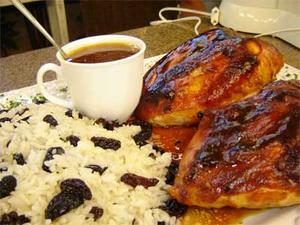 Receita de Peito de frango assado com molho especial de mel e arroz
