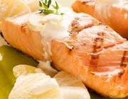 Peixe grelhado com molho de Abacaxi