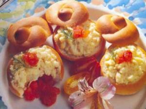 Receita de Pãezinhos Recheados com Tomates e Ovos